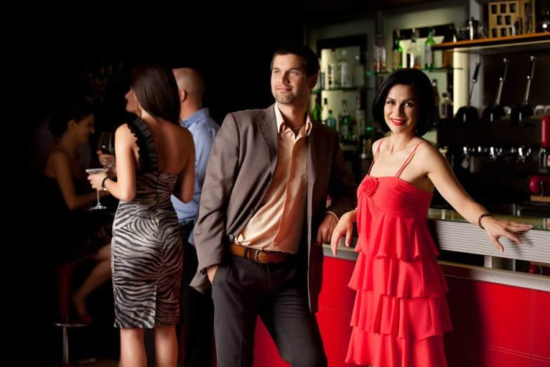 meeting women at bars