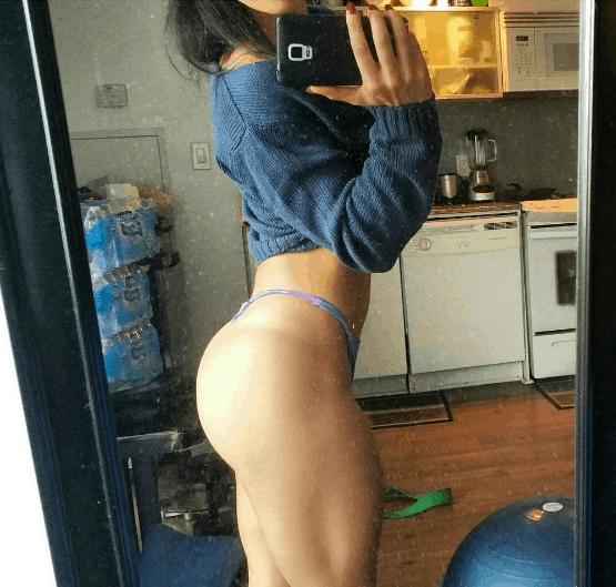rahrahxoxo mirror selfie