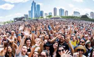downtown Chicago outdoor festival crowd