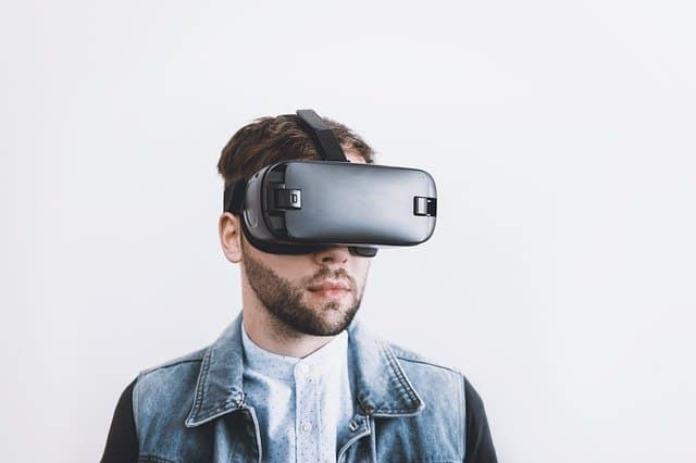 Top 6 Things To Do In Virtual Reality During Lockdown