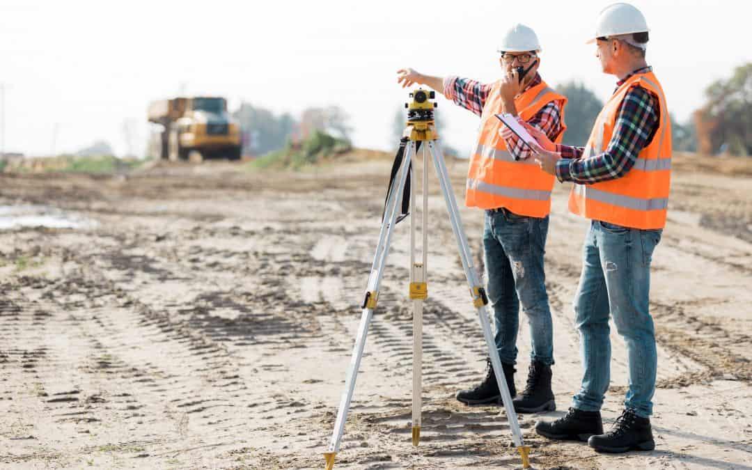 5 Key Benefits Of Custom Construction Shirts